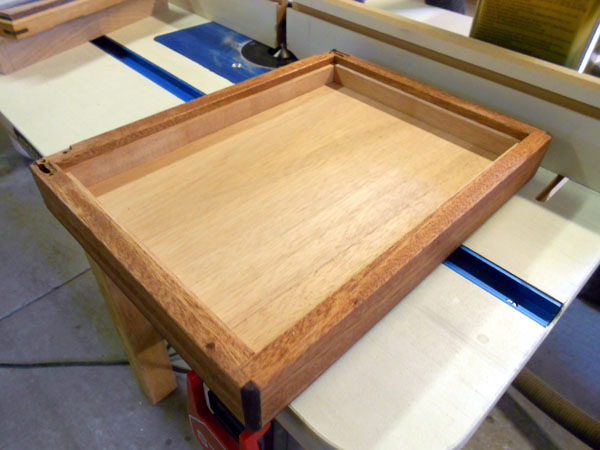View showing cedar installed inside the lid.